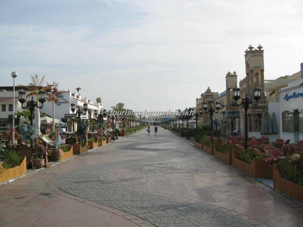 Sharm_el-Sheikh_-_Naama_bay_