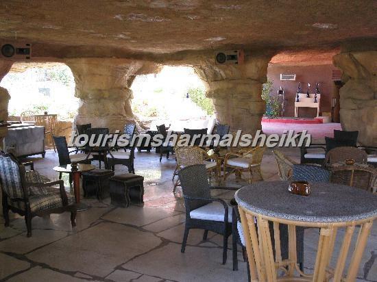 cave-bar-interno